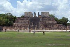Templo de Los Guerreros Tempio dei guerrieri, Yucatan, Chichen Itza, Messico Fotografia Stock Libera da Diritti