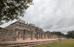 Templo de los Guerreros Temple dei guerrieri alle rovine maya di Chichen Itz sulla penisola dell'Yucatan del Messico Fotografia Stock Libera da Diritti