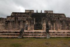 Templo DE los Guerreros Temple van de Strijders bij Mayan Ruïnes van Chichen Itz op het Schiereiland van Yucatan van Mexico Stock Foto