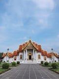 Templo de mármore sob o céu azul Imagens de Stock