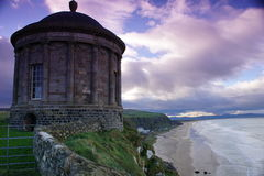 Templo de Mussenden, para baixo Fotografia de Stock Royalty Free