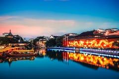Templo de Nanjing confucius no anoitecer fotografia de stock