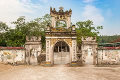 Templo de Nguyen Xà cerca del ‹del †del ‹del †cerca del centro turístico en la ciudad de Vinh, V de Bai Lu Fotos de archivo libres de regalías