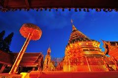 Templo de oro de la pagoda de Doi Suthep Fotografía de archivo libre de regalías