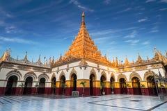 Templo de oro de Mahamuni Buda Myanmar (Birmania) fotografía de archivo libre de regalías