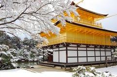 Templo de oro del pabellón Fotos de archivo libres de regalías