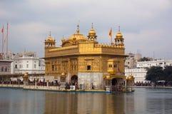 Templo de oro en Amritsar imagen de archivo libre de regalías