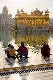 Templo de oro en Amritsar, Punjab, la India. Imagen de archivo libre de regalías