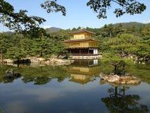 Templo de oro en Kyoto Fotos de archivo