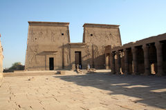 Templo de Philae - monumento egipcio antiguo [isla de Agilkai, cerca de Asuán, de Egipto, estados árabes, África]. Foto de archivo libre de regalías