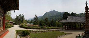 Templo de Pohyonsa, DPRK (Corea del Norte) fotos de archivo