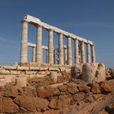 Templo de Poseidon en el cabo de Sounion imagenes de archivo