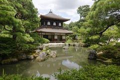 Templo de prata de Ginkaku-ji do pavilhão - Kyoto, Japão foto de stock