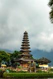 Templo de Pura Ulun Danu Bratan Hindu em Bali Foto de Stock