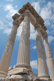 Templo de Traianus (Trajan) en acrópolis pergoman Imagen de archivo