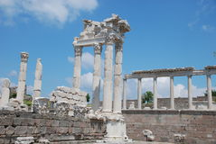 Templo de Traianus (Trajan) en acrópolis pergoman Fotografía de archivo