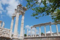 Templo de Traianus (Trajan) en acrópolis pergoman Imágenes de archivo libres de regalías