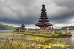 Templo de Ulun Danu foto de archivo libre de regalías