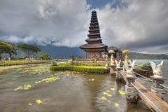 Templo de Ulun Danu imágenes de archivo libres de regalías