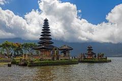 Templo de Ulun Danu imagen de archivo libre de regalías