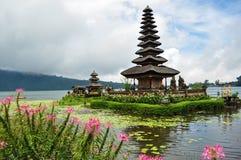 Templo de Ulun Danu Bratan Foto de archivo libre de regalías