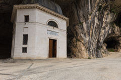 Templo de Valadier em Genga, Itália Fotos de Stock Royalty Free