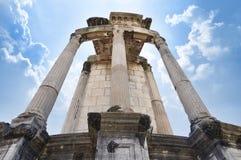Templo de Vesta en el foro romano Foto de archivo libre de regalías