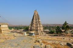 Templo de Virupaksha en el cielo azul en Hampi, Karnataka Imágenes de archivo libres de regalías