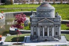 Templo de Volta en el mini parque de Italia Fotografía de archivo
