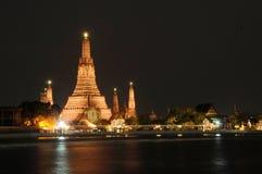 Templo de Wat Arun em Banguecoque, Tailândia Fotografia de Stock Royalty Free