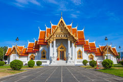 Templo de Wat Benchamabophit ou do mármore Imagem de Stock Royalty Free