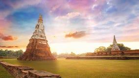 Templo de Wat Chaiwatthanaram en el parque histórico de Ayuthaya, Tailandia Foto de archivo