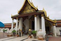 Templo de Wat Phra Sri Rattana Mahathat Woramahawihan de la visita de la gente en Phitsanulok, Tailandia Imágenes de archivo libres de regalías