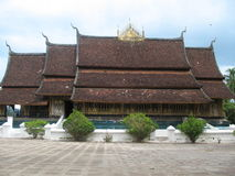 Templo de Wat Xieng Thong en Luang Prabang foto de archivo