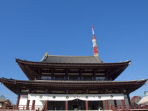 Templo de Zojyoji y torre de Tokio Imagen de archivo libre de regalías