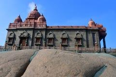 Templo dedicado ao Swami Vivekananda, herói nacional da Índia Kanyakumari, cabo Komorin no Tamil Nadu, ou no Tamil Nadu no sul imagens de stock royalty free