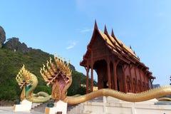 Templo del budismo la teca de la adoración en Tailandia Fotografía de archivo