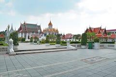 Templo del hierro en Wat Ratchanatdaram Worawihan, Bangkok Foto de archivo
