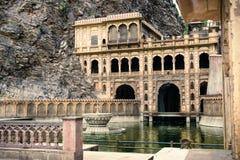Templo del mono fuera de Jaipur Galta Ji Imagen de archivo