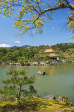 Templo del pabellón de oro en Kyoto, Japón Fotos de archivo
