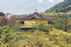 Templo del pabellón de oro en Kyoto, Japón Fotografía de archivo libre de regalías