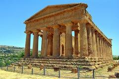 Templo del valle de Concordia de los templos Sicilia Foto de archivo libre de regalías