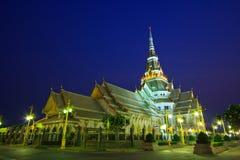 Templo do Assim-espinho de Wat na noite Fotos de Stock Royalty Free
