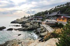 Templo do beira-mar de Haedong Yonggungsa em Busan, Coreia fotos de stock