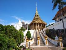 Templo do budismo na central de Tailândia Imagens de Stock