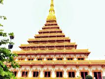 Templo do estilo de Isarn e Foto de Stock Royalty Free