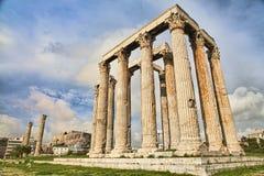 Templo do grego clássico do Zeus em Atenas Fotos de Stock Royalty Free