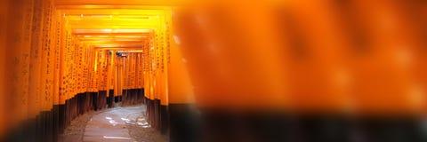 Templo do inari de Fushimi fundo panorâmico em Kyoto, japão fotografia de stock royalty free