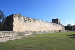 Templo do jaguar na grande corte da esfera Foto de Stock Royalty Free
