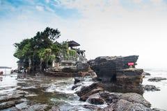 Templo do lote de Tanah na ilha Indonésia de Bali Imagem de Stock